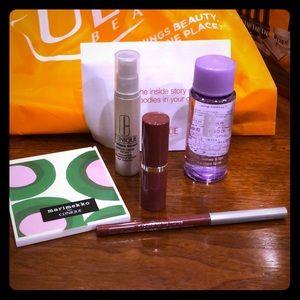 Clinique Makeup - Clinique Make Up Bundle